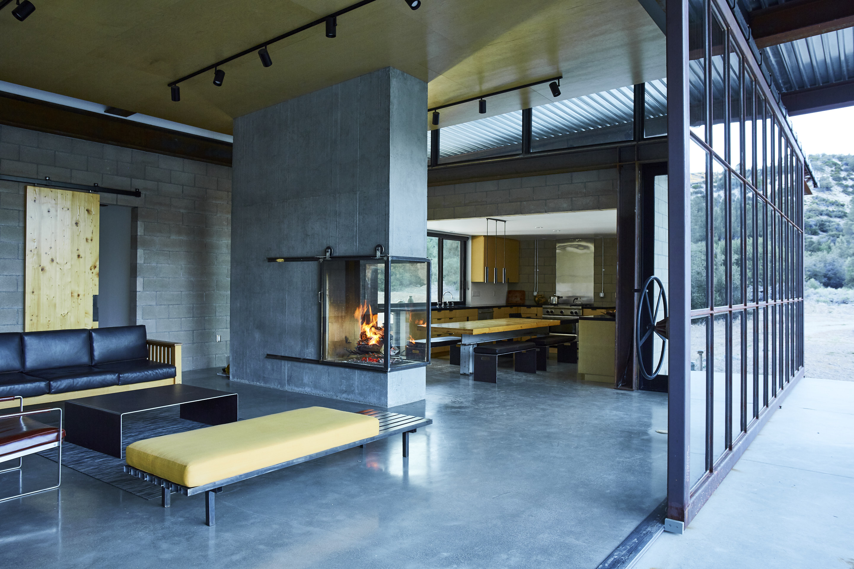 170612_DWELL_07_Fireplace_196