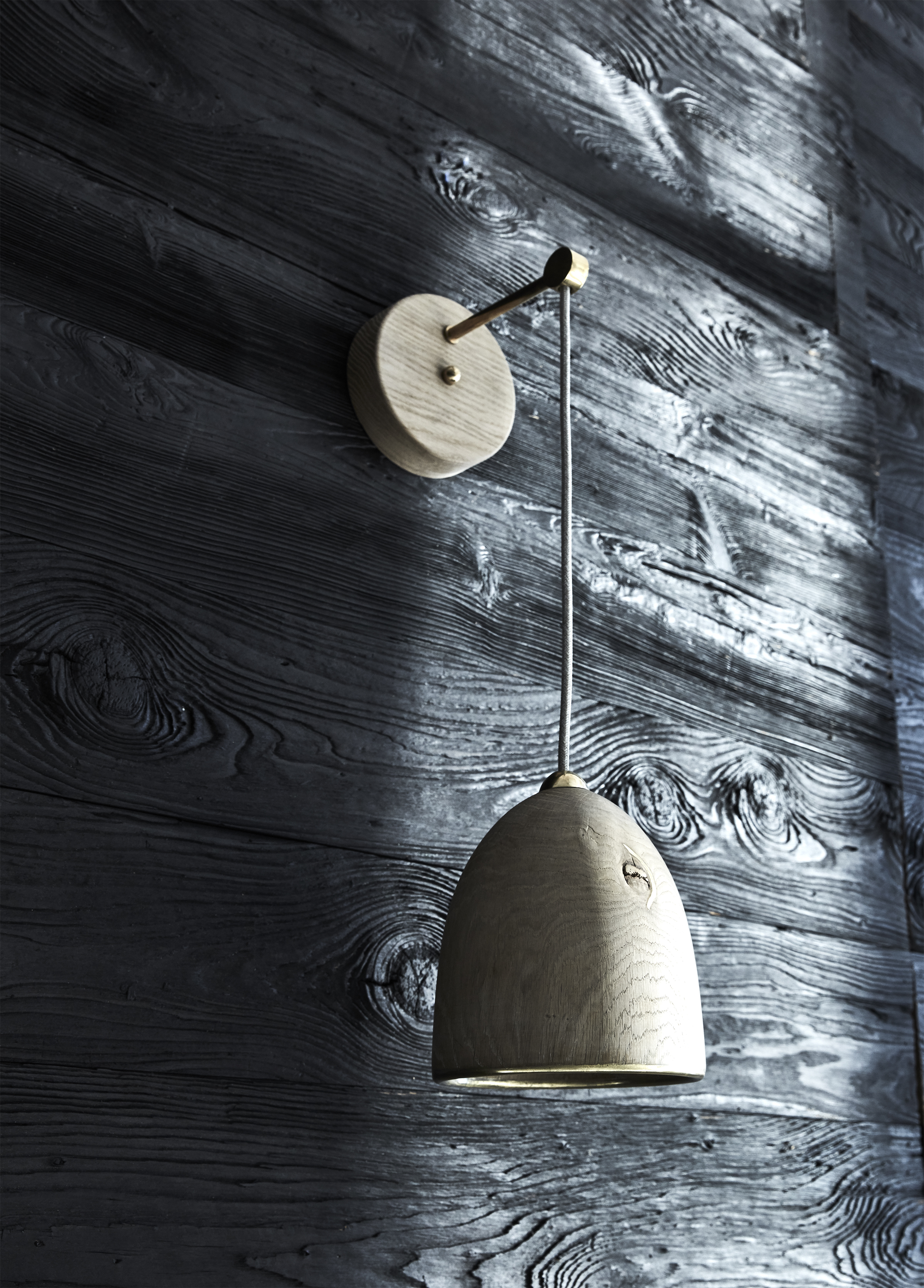 beachpebblewalllight